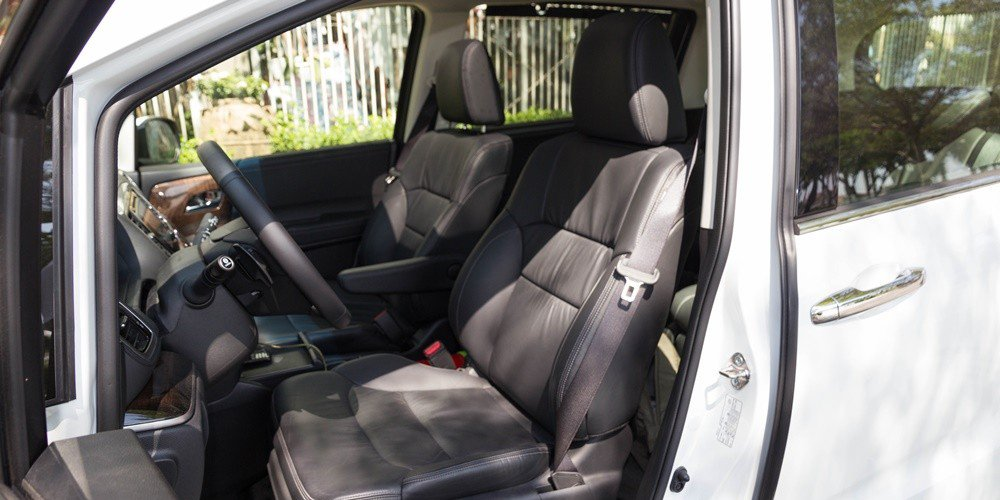 So sánh xe Kia Sedona 2015 và Honda Odyssey 2016 về thiết kế ghế ngồi 1