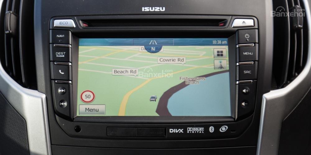 Đánh giá xe Isuzu D-MAX 3.0 có bản đồ dẫn đường thông minh.