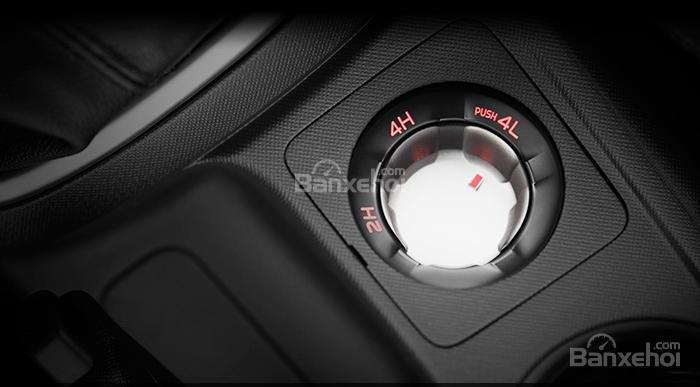 Đánh giá xe Isuzu D-MAX 3.0 có hệ thống gài cầu tự động.