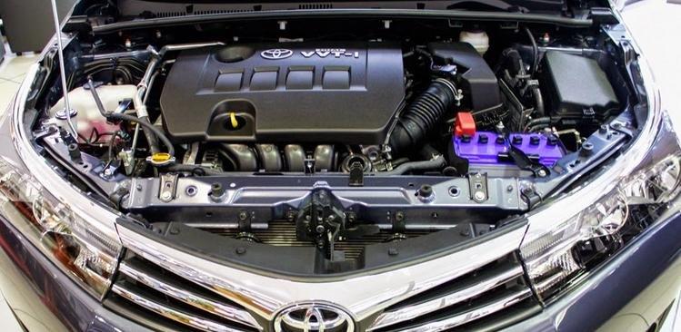 Đánh giá xe Toyota Corolla Altis 2016 có một số cải tiền về động cơ.