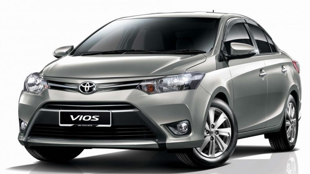 So sánh xe Toyota Vios 2015 và Mazda 2 2015 về thiết kế ngoại thất.