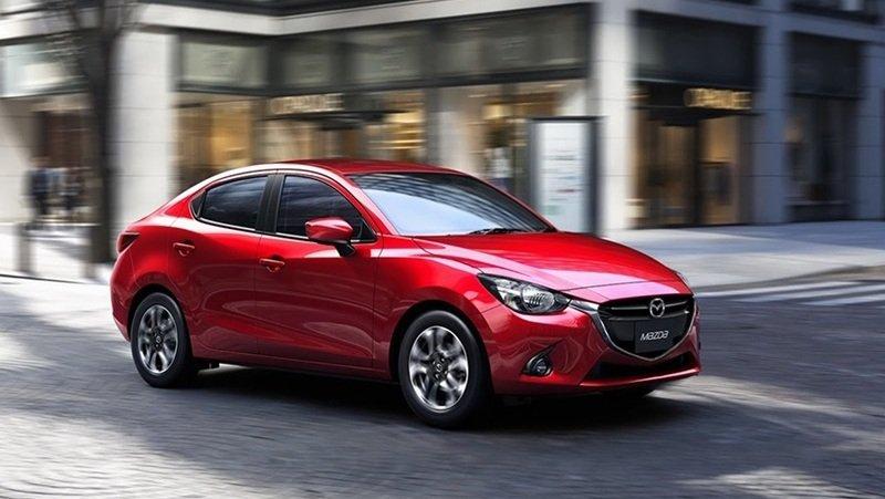 So sánh xe Toyota Vios 2015 và Mazda 2 2015.
