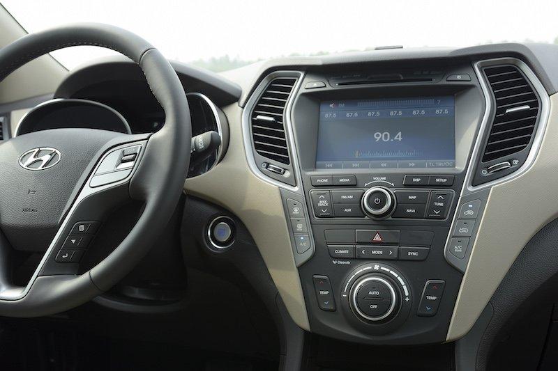 Nội thất Hyundai SantaFe 2016 1