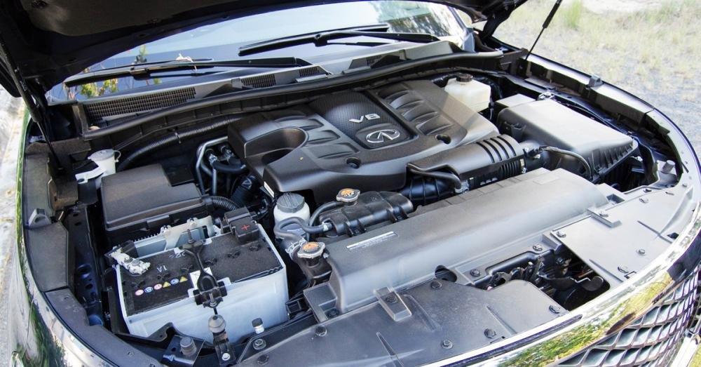 Đánh giá xe Infiniti QX80 2015 có động cơ V8 dung tích 5.6L.