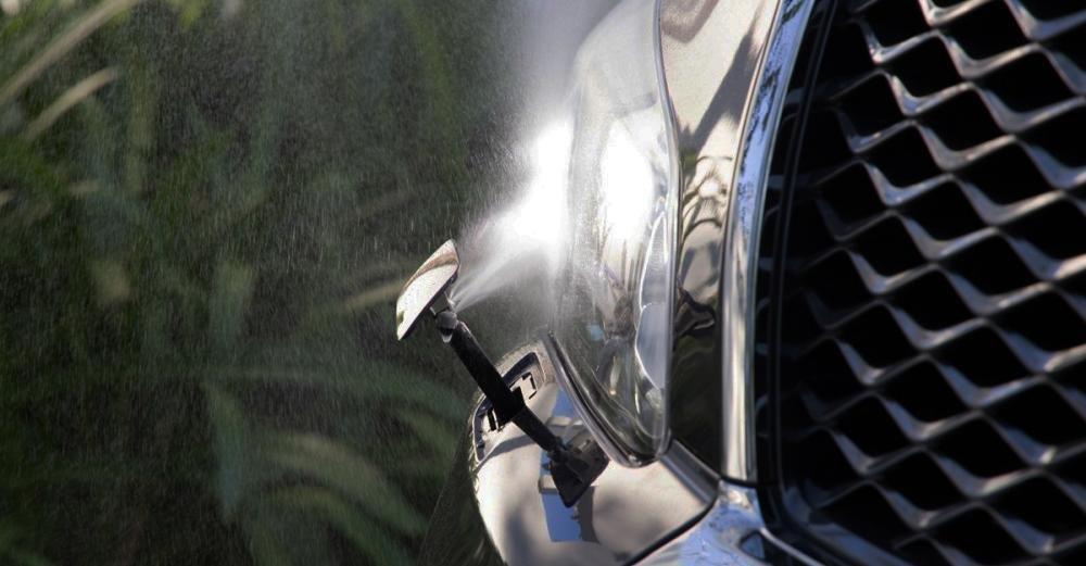 Đánh giá xe Infiniti QX80 2015 chế độ rửa đèn thông minh.