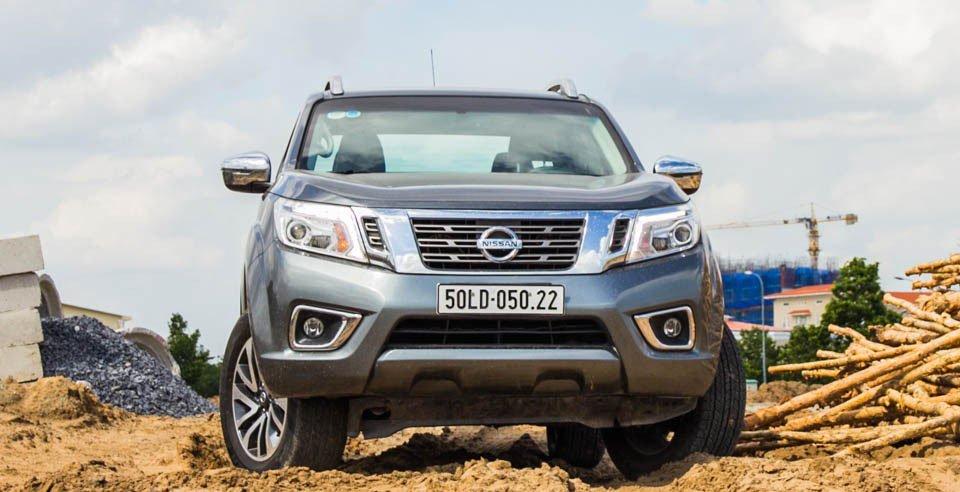 Đánh giá xe Nissan Navara 2015 có diện mạo đơn giản.
