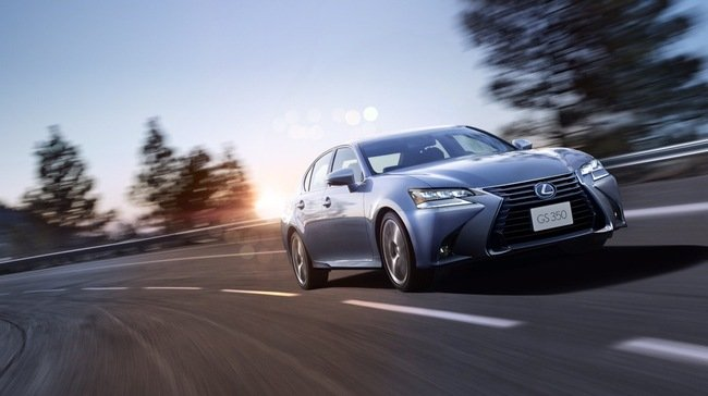 Đánh giá xe Lexus GS 350 2016: Lexus GS 350 2016 tuân theo ngôn ngữ thiết kế L-Finesse.