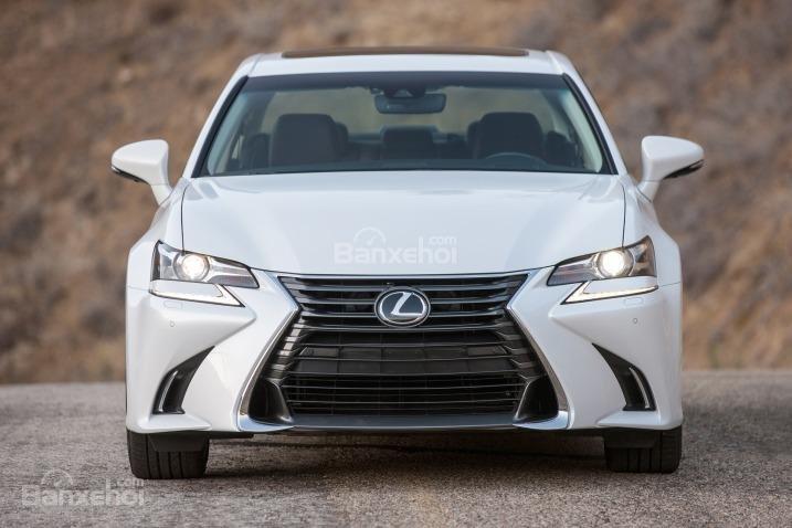 Đánh giá xe Lexus GS 350 2016: Đầu xe không quá bề thế nhưng vẫn rất ấn tượng.