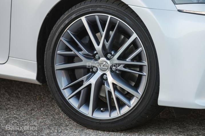 Đánh giá xe Lexus GS 350 2016: Lazang đa chấu, góc cạnh.