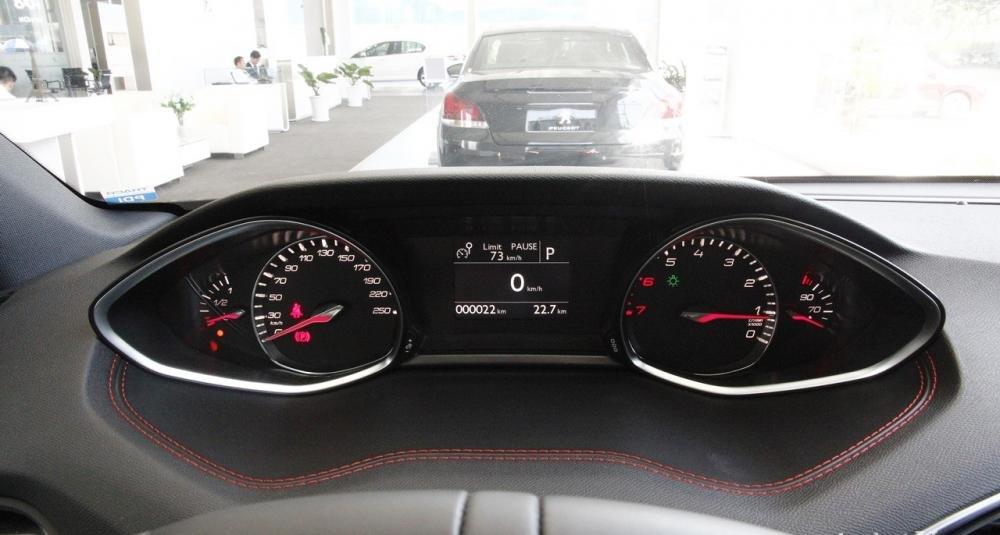 Đánh giá xe Peugeot 308 2015 có bảng đồng hồ hiển thị thông minh.