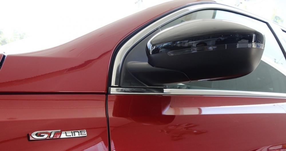 Đánh giá xe Peugeot 308 2015 có gương chiếu hậu chỉnh/gập điện.