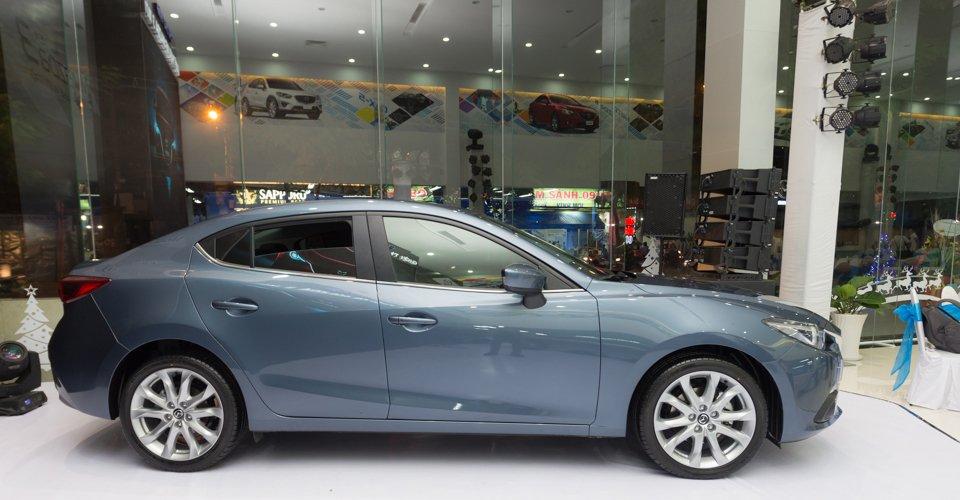 So sánh nhanh Mazda 3 sedan 2015 và Kia K3 2013 về thiết kế thân xe 1