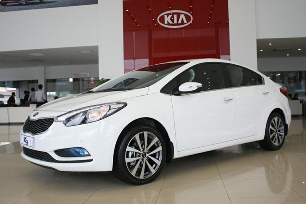 Tổng kết so sánh nhanh Mazda 3 sedan 2015 và Kia K3 2013.