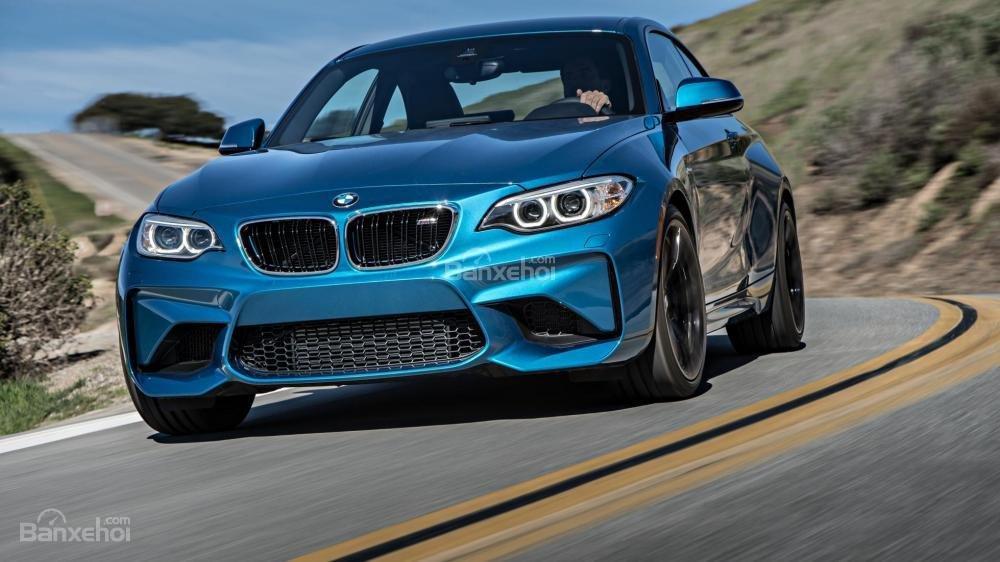 Đánh giá xe BMW M2 2016: Thiết kế đầu xe táo bạo.