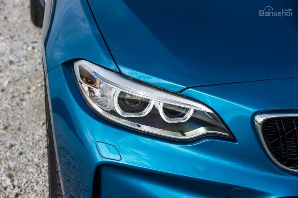 Đánh giá xe BMW M2 2016: Đèn pha LED.