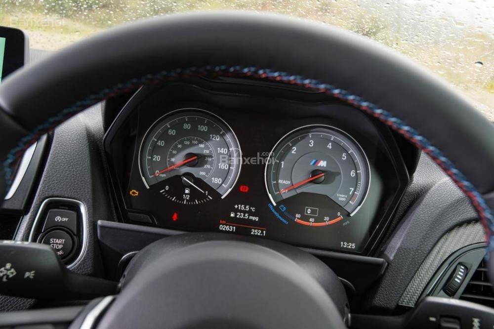 Đánh giá xe BMW M2 2016: Cụm đồng hồ đo tốc độ.