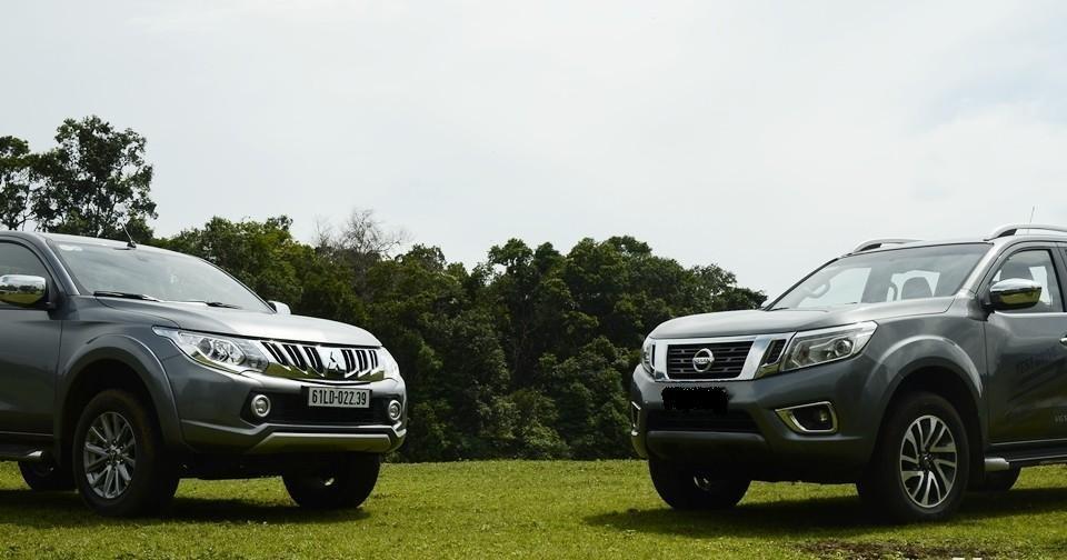 So sánh Mitsubishi Triton 4x4 AT 2015 và Nissan NP300 Navara VL 2015.