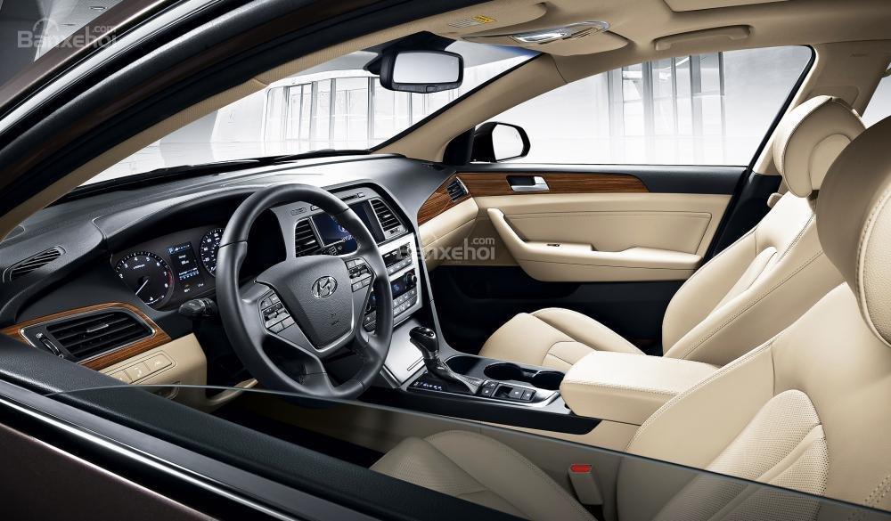 Đánh giá xe Hyundai Sonata 2016 có nội thất sang trọng.