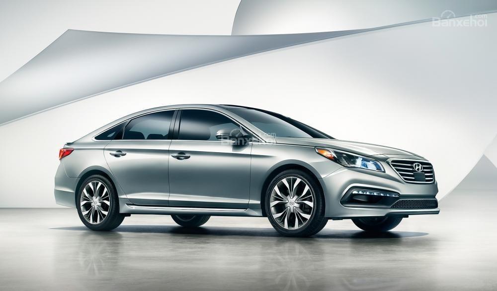 Đánh giá xe Hyundai Sonata 2016 la zăng với nhiều tùy chọn từ 16-18 inch.