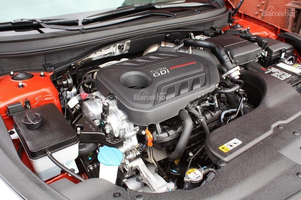 Đánh giá xe Hyundai Sonata 2016 có nhiều phiên bản động cơ.