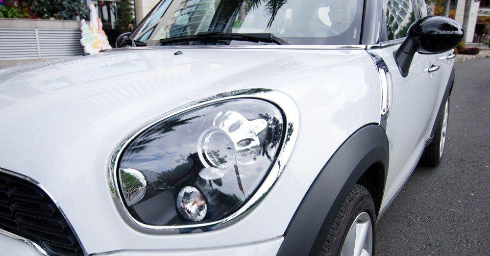 Đánh giá xe MINI Cooper S Countryman 2015 có đèn pha Xenon thiết kế lạ mắt.