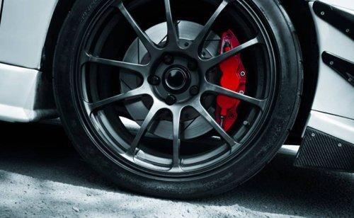 Phanh ABS tích hợp trên cả 4 bánh.