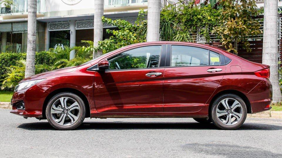 So sánh ngoại thất Kia Rio sedan và Honda City 2016 5