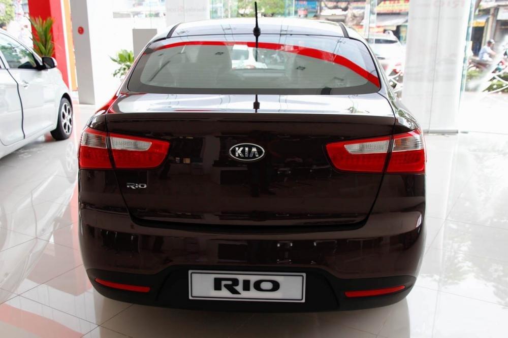 So sánh đầu xe Kia Rio sedan và Honda City 2016.