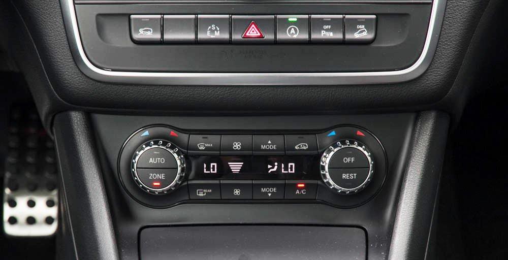 Đánh giá xe Mercedes-Benz GLA250 4Matic 2015 có điều hòa tự động đa vùng.