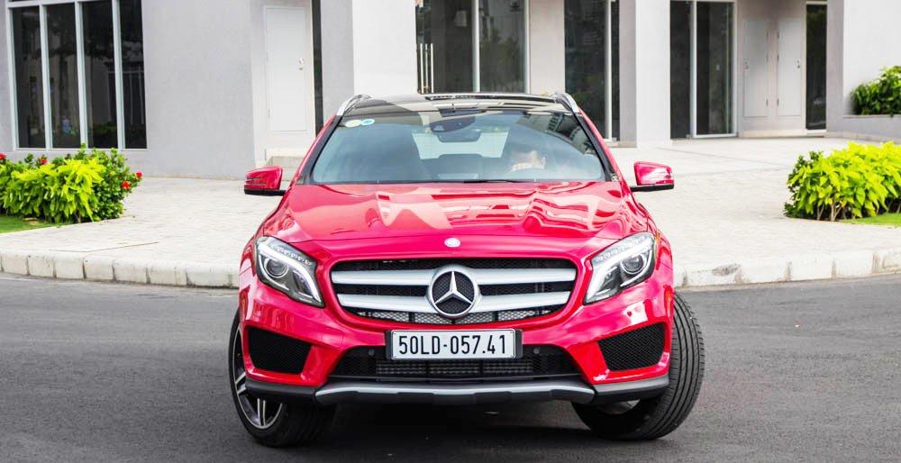 Đánh giá xe Mercedes-Benz GLA250 4Matic 2015 diện mạo khỏe khoắn, mạnh mẽ.