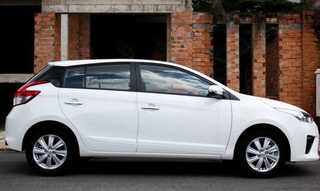 So sánh xe Toyota Yaris 1.3G và Mazda 2 hatchback về thiết kế thân xe