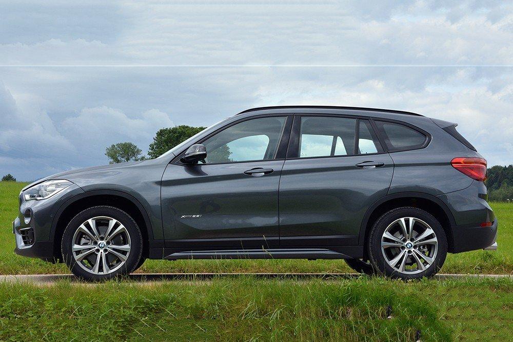 Đánh giá xe BMW X1 2016 thiết kế thân xe dạng khí động học.