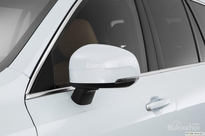Đánh giá xe Volvo XC90 2016: Gương chiếu hậu tích hợp LED.