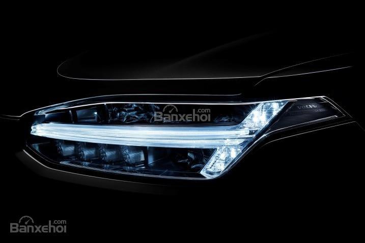 Đánh giá xe Volvo XC90 2016: Đèn pha xe tích hợp LED.