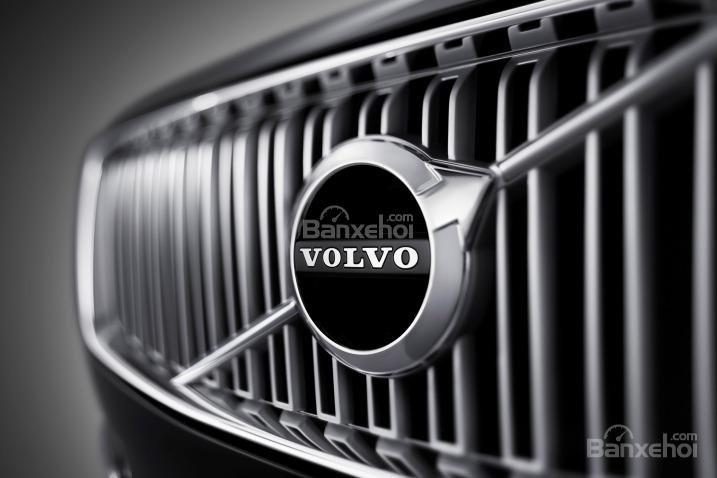 Đánh giá xe Volvo XC90 2016: Lưới tản nhiệt lớn.