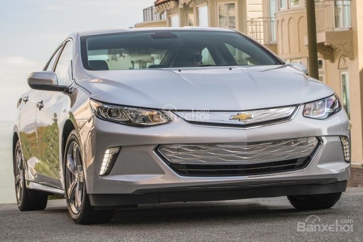 Đánh giá xe Chevrolet Volt 2017: Mẫu plug-in hybrid độc đáo.