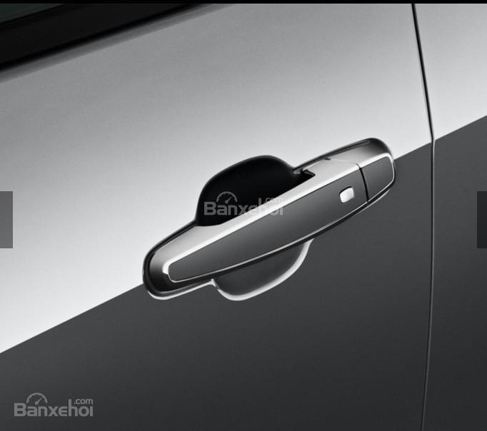 Đánh giá xe Chevrolet Volt 2017: Tay nắm cửa xe.
