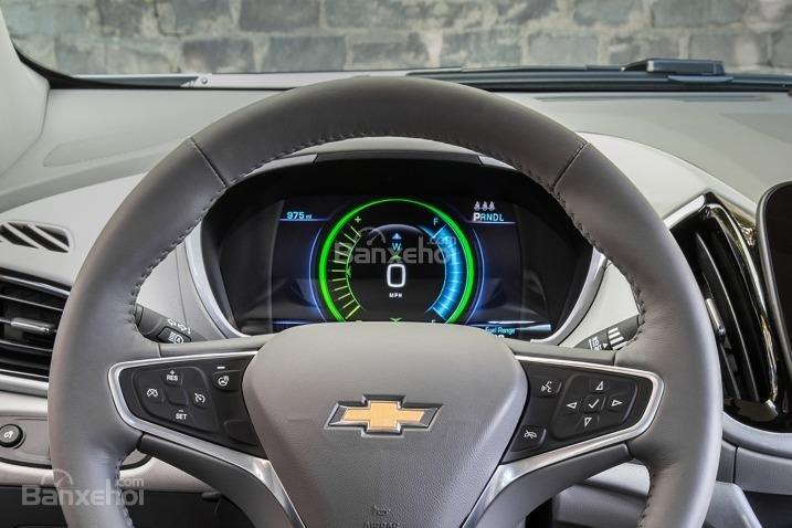 Đánh giá xe Chevrolet Volt 2017: Cụm đồng hồ trên xe.