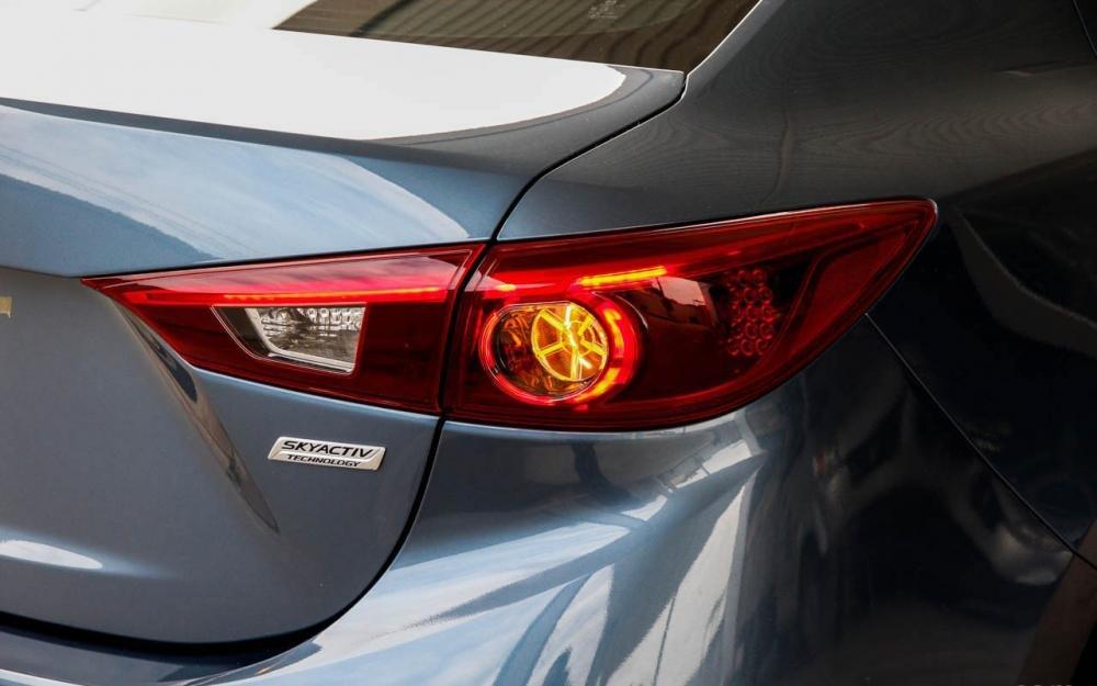 So sánh ngoại thất Chevrolet Cruze 2015 và Mazda 3 sedan 12