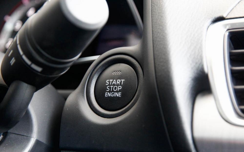 Mazda 3 sở hữu hệ thống Mazda Connect thú vị và hệ thống Start /Stop tiết kiệm nhiên liệu 1