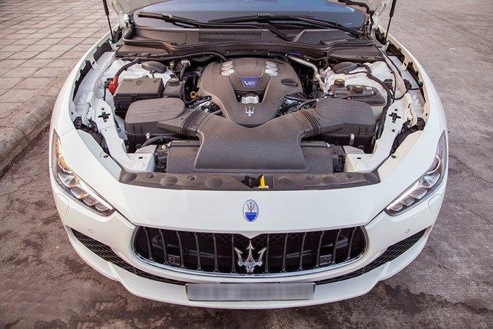Đánh giá xe Maserati Ghibli S có động cơ V6 mạnh mẽ.