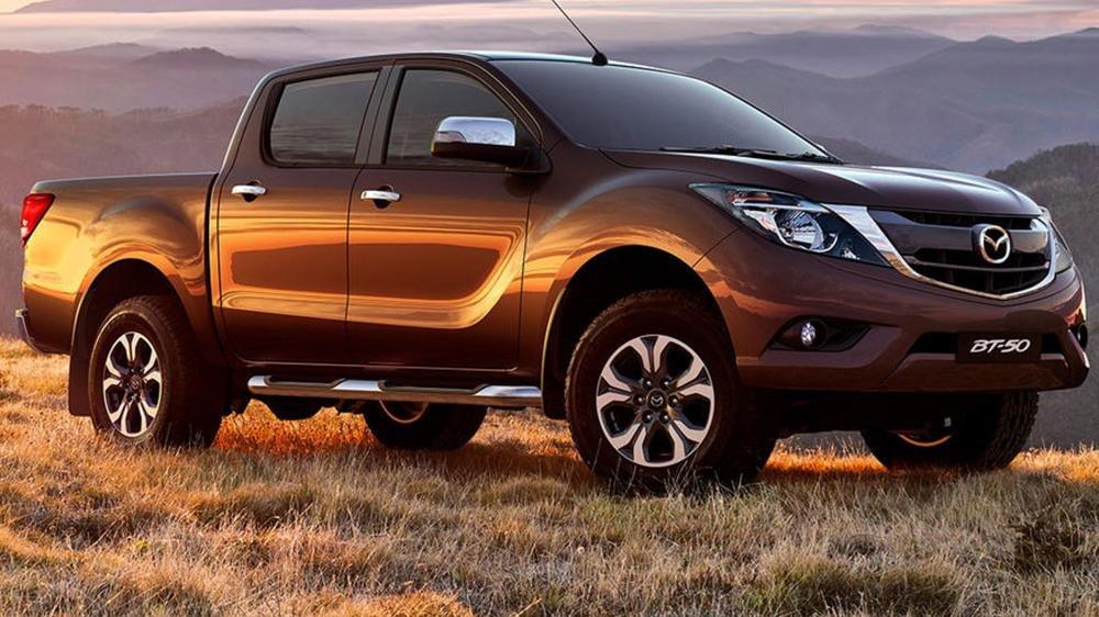 So sánh ngoại thất Toyota Hilux 2016 và Mazda BT-50 2016 1