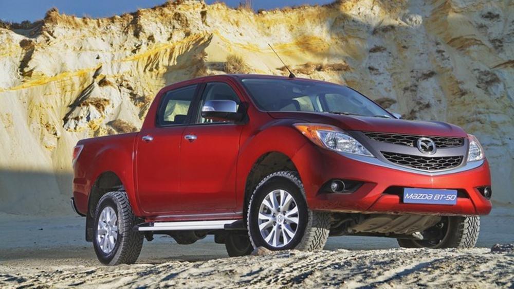 So sánh Toyota Hilux 2016 và Mazda BT-50 2016 1