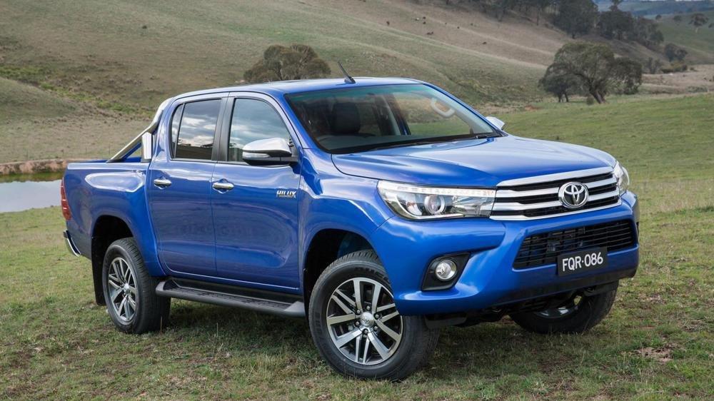 So sánh Toyota Hilux 2016 và Mazda BT-50 2016.