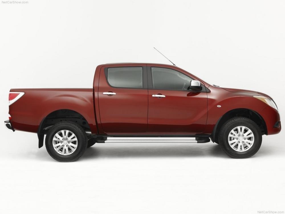 So sánh ngoại thất Toyota Hilux 2016 và Mazda BT-50 2016