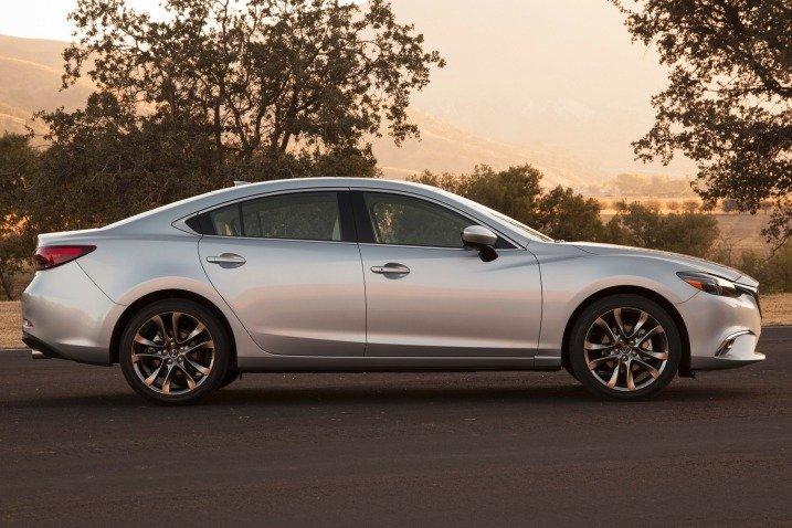 Đánh giá xe Mazda 6 2016 có thân xe dáng thể thao, cứng cáp.