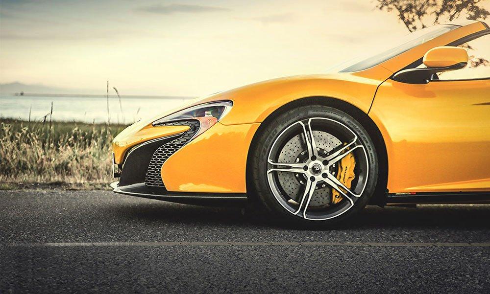 Đánh giá xe McLaren 650S Spider có lốp xe hiệu Pirelli P-Zero Corsa