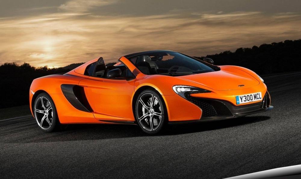 Đánh giá xe McLaren 650S Spider có thể chuyền từ mui cứng sang mui trần với 1 nút bấm.
