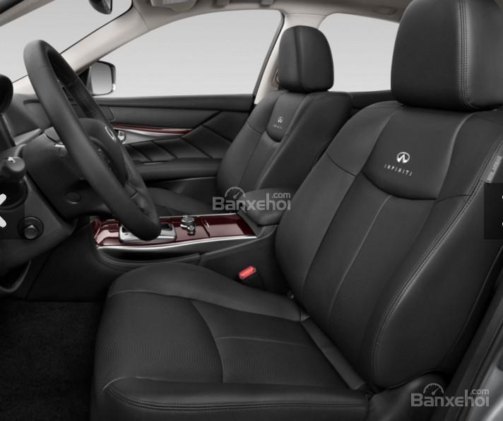 Đánh giá xe Infiniti Q70 2016: Hàng ghế trước xe.