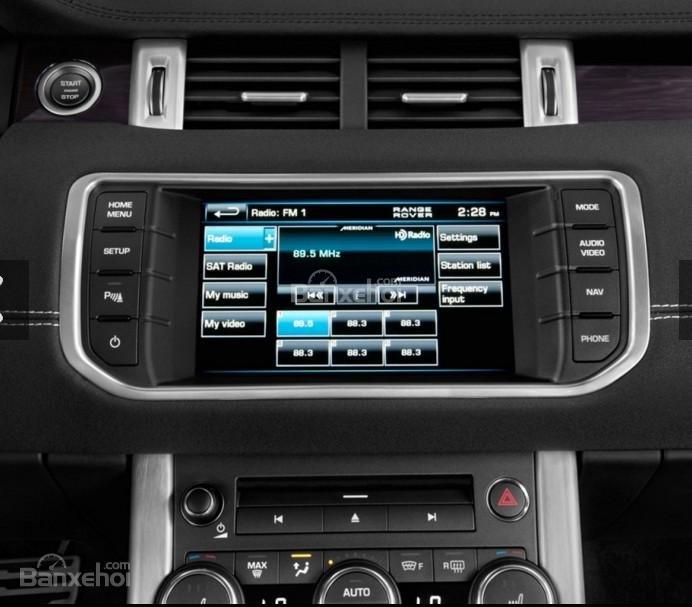 Đánh giá xe Land Rover Range Rover Evoque 2016: Nhiều tiện ích tích giải trí.
